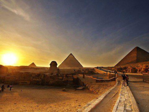 Res till Egyptens fantastiska pyramider